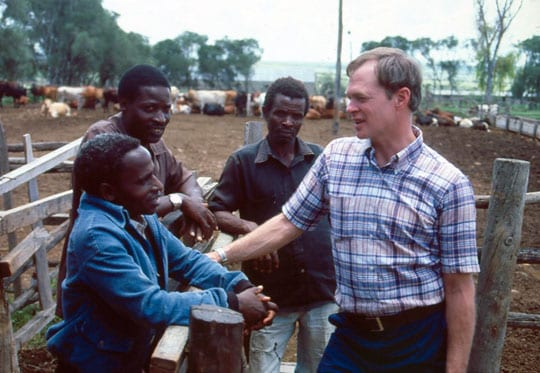 1985: Ed Bullard visits farmers who are working with TechnoServe in Drumvale, Kenya.